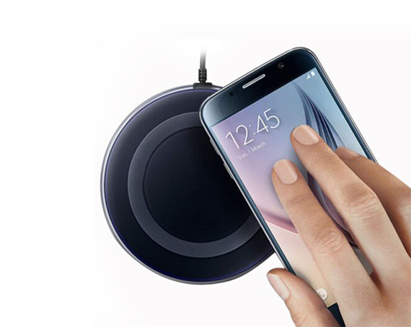 2018 Hot selling Universal Qi fast wireless charger for mobile phone